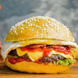 Yellow Gourmet Burger con Papas Fritas