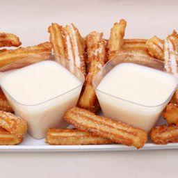 Churros fiesta con leche condensada