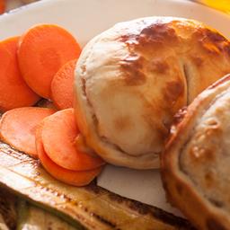 Empanada de Muzzarella & Vegetales