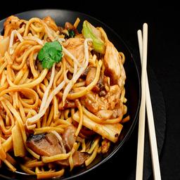 Wok Chow Mein de Pollo