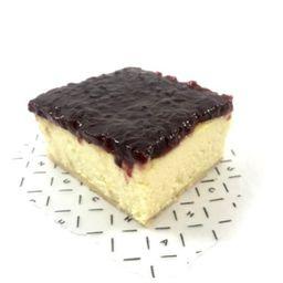Cuadrado de Cheesecake con Frutos Rojos