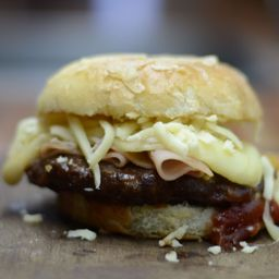 Combo Burger Provolone