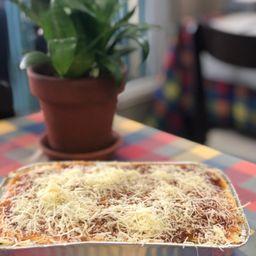 Lasagna con Bolognesa ( Rinde 2 Porciones )