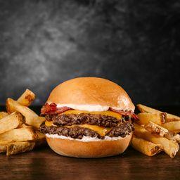 Doble Bacon Burger & Papas