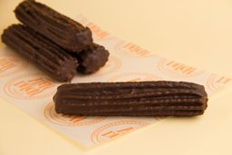 Churro Bañado en Chocolate