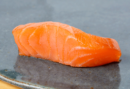 Sashimi de Salmón Ahumado x 5
