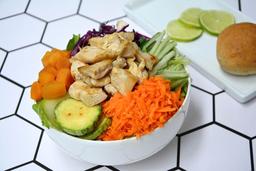 Chicken Salad + Bebida