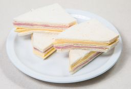 Sándwich de Miga J&Q