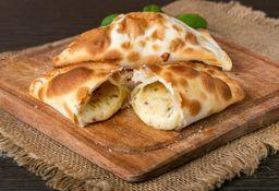 Empanada de Muzza & Cebolla