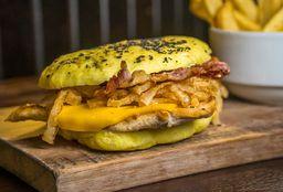 Crispy Chicken Sándwich & Growler