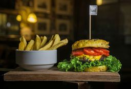 Traditional Burger & Growler