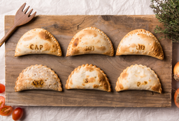 9 Empanadas & 3 Regalo