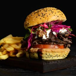 Hamburguesa de Shawarma & Papas