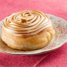 Dona Rellena Lemon Pie