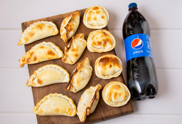 12 Empanadas & Bebida