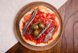 Pizzetinha de Anchoas, Tomate, Ajo y Aceitunas