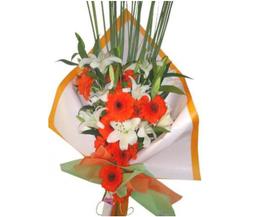 The Flower Company Ramo Liliums y Gerberas