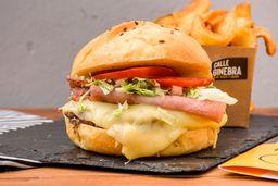 Combo 2 Burgers Clásicas Mas Gin Tonic