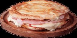 Tostado de Jamón Horneado y Mozzarella
