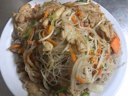 Chaw Mi Fen con Pollo