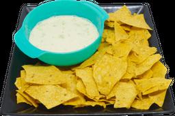 Nachos con Salsa Ranch