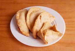 Combo Empanadas & Pastelito
