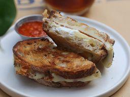 Sándwich de Queso & Labneh