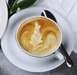 Café Orgánico con Leche de Almendras
