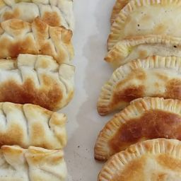Empanada Panceta y Cheddar