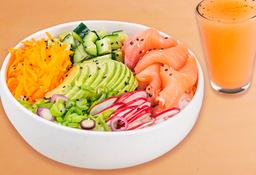 Poke Salmon Salad & Bebida