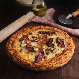 Pizza de pollo panceta y choclo