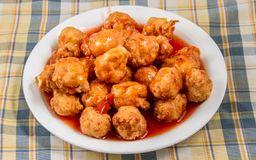 Pollo Frito con Salsa Agridulce