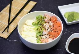 Chirashi Salad de Salmón, Langostinos, Palta y Phila