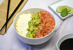Salad Salmón, Palta y Phila