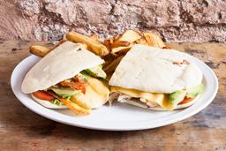 Sándwich de Chivito Uruguayo XXL