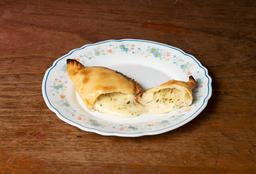 Empanada de Queso al Orégano