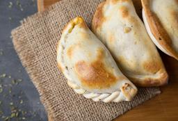 Empanada de Cebolla y Queso