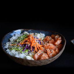 Sushi Salad de Salmón & Bebida