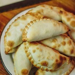 Empanada de Cheddar & Panceta