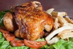 Pollo Entero con Guarnición