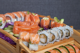 Tabla Sushi de Salmón - 60 U