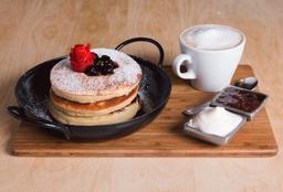 Pancakes Berries + Infusión