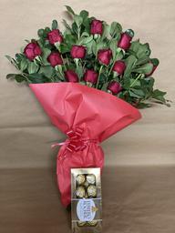 Ramo de Rosas + Bombones