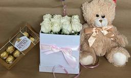 Caja de 12 Rosas Combo Enamorados Flower Box Pure Roses