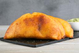 Empanada con Tajadas y Queso