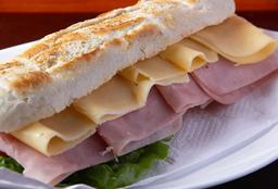 Sándwich Jamón Cocido y Queso