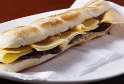 Sándwich Lomito con Queso
