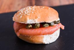 Sándwich Queso Crema & Salmón Ahumado