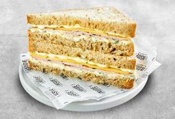 Sándwich Lomito y Queso