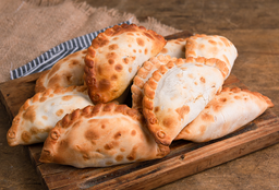 10 Empanadas + 2 de Regalo